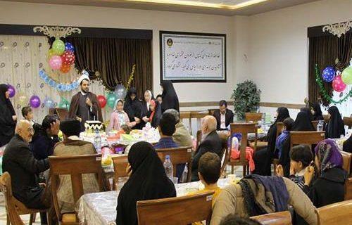جشن تولد برای ۳۰ نفر از کودکان یتیم و محسنین کمیته امداد قم