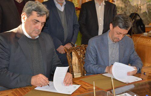 امضای تفاهم نامه مشترک همکاری میان بنیاد مستضعفان و شهرداری تهران