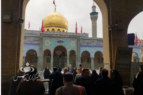 حرم حضرت زینب (س) اولین حضور اولین کاروان زائران ایرانی در دمشق سوریه بعد از نابودی داعش +عکس