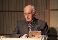 پرویز اذکایی ، پژوهشگر تاریخ و فلسفه، خانه ۴ میلیاردیاش را وقف کتابخانه عمومی کرد