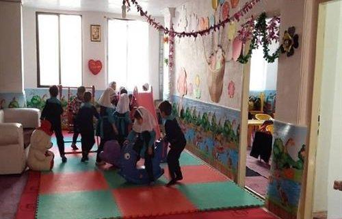کارآفرینی و خدمت فرهنگی بانوی البرزی در منطقه فقیر نشین کرج با حمایت کمیته امداد