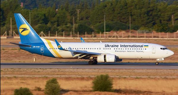 سقوط یک فروند بوئینگ ۷۳۷ مسافری اوکراینی حوالی پرند + عکس و فیلم