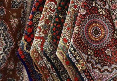 ۲۴ تخته فرش به نوعروسان تحت حمایت کمیته امداد قزوین اهدا شد