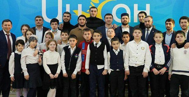 جشن حمایت از کودکان معلول با حضور ستاره مسلمان کشتی روسیه